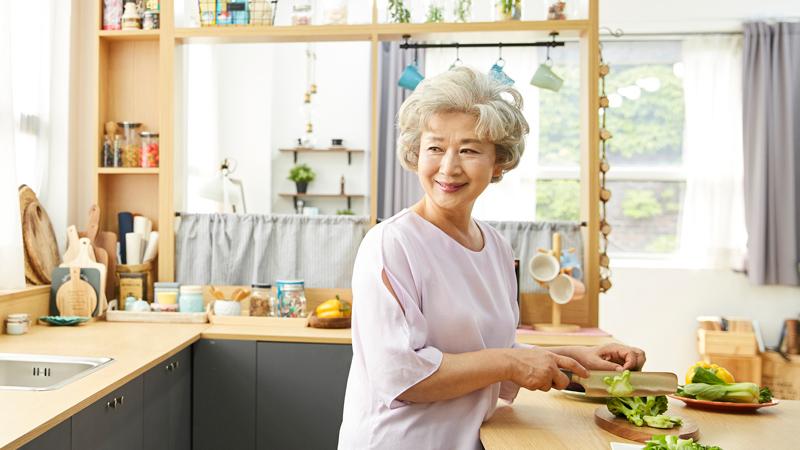 年齢を重ねたら、青汁!? ~健康寿命を延ばすための青汁のススメ~